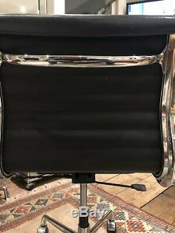 2 X Eames Original ICF EA117 Aluminium Medium Back, Black Leather Office Chairs