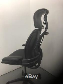 Black Leather Humanscale Freedom Ergonomic Office Chair Headrest. 2 Years War