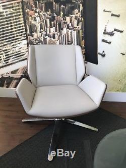 Boss Design Kruze Cream Leather /walnut Lounge/ Office/ Reception Tub Chair