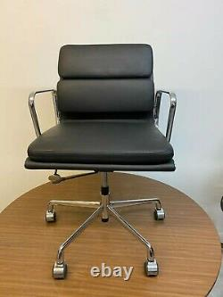 Charles Eames Softpad office chair