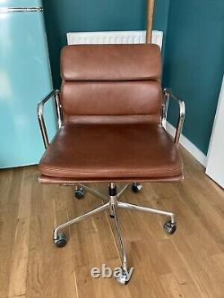 Eames style office swivel chair