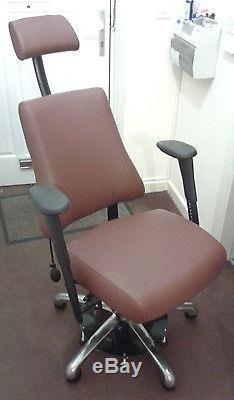 Ergonomic genuine leather office desk chair (Tempur foam) with locking base