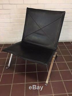 Fritz Hansen PK 22 Black Leather Chair by Poul Kjaerholm