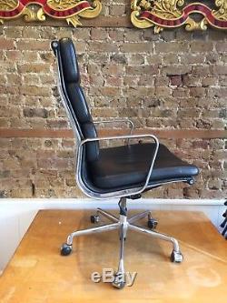 Original USED ICF EA219 Soft Pad chair Charles Eames