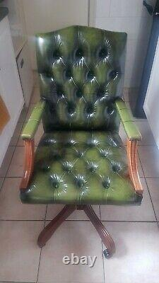 VGC Vintage Chesterfield style Antique Green Captain Leather Office Dirctr Chair